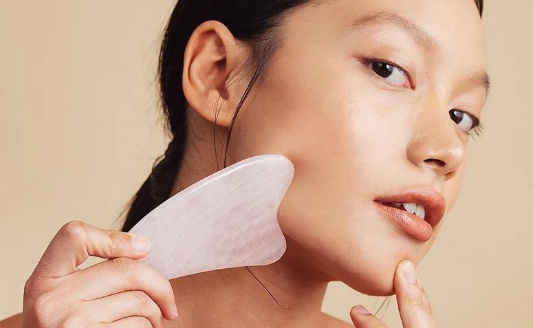 gua sha massagem facial por fabíola kassin