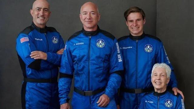 jeff bezos viaja ao espaço à turismo!