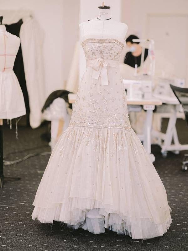 Chanel recria vestido icônico de Lady Di para novo filme